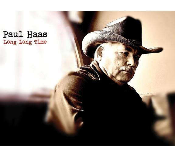 PAUL HAAS: l'America polverosa e vera nell'esordio di LONG LONG TIME. Tra country e bluegrass a 65anni